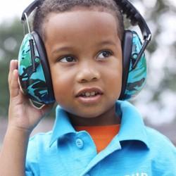 Baby Banz Høreværn - Aqua Camo (2+)