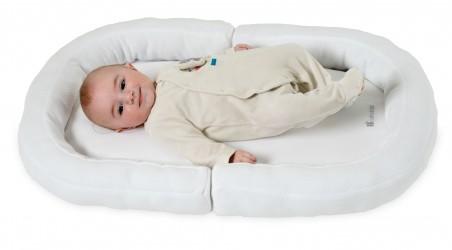 Bed Reducer 2-i-1 BabyNest fra Candide (0-6 m)