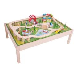 Legebord med togbane, by og byggeri